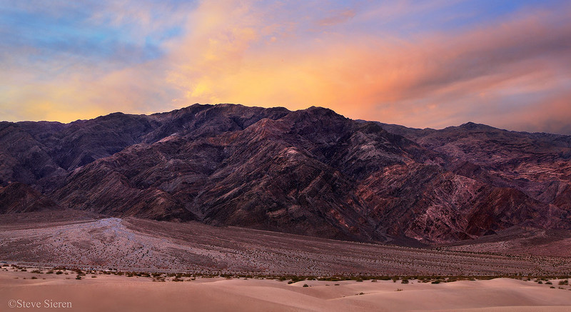 Tuckee Mountain Panoramic Death Valley National Park (225 MB)