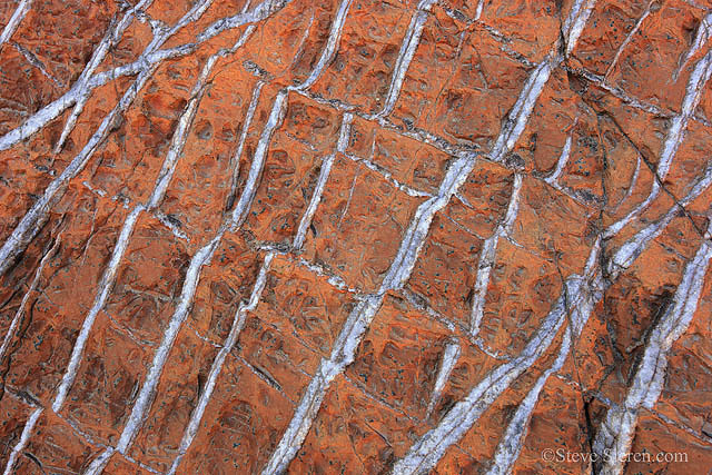 Quartz patterns in Mosaic Canyon, Death Valley