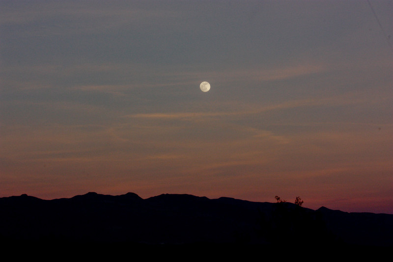 Moon set Death Valley