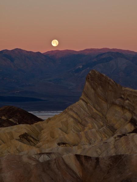 Moon set at Zabriski Point