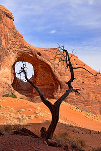 Ear of the Wind Arch, Monument Valley