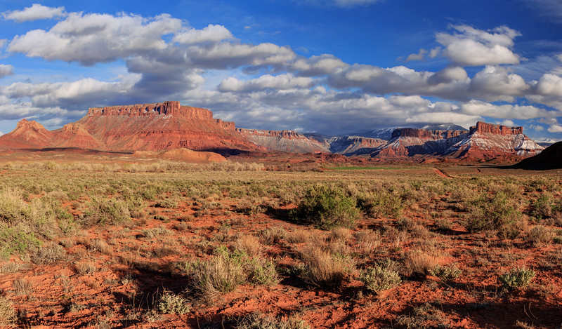 Colorado River Valley in extreme eastern Utah Pano
