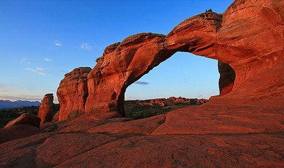 Broken Arch, Arches National Park, Utah