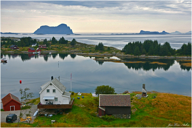 Utsikt mot Alden og Norskehesten fra Leknes i Solund kommune