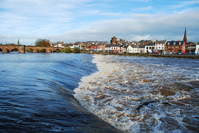 A fine early November day looking across the Nith to the Whitesands,Dumfries. Nov 2009.