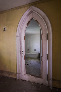 Master Bath ~ Read the Story behind the Shots, History and more @ http://adwheelerphotography.com/2011/08/10/the-lonely-castle/