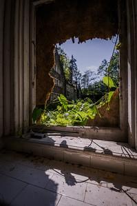 Dundas Castle, Kitchen Window