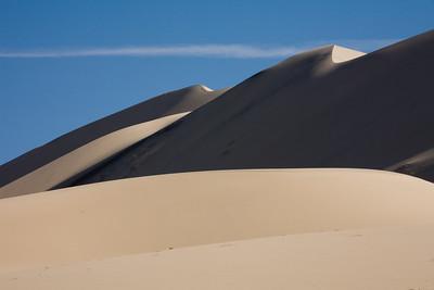 Looming Dunes 8379