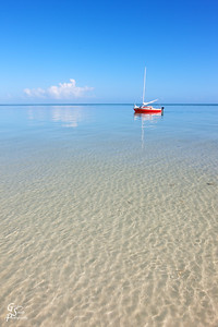 Clear Waters, Red Boat off the sand bar of Bahia Honda state park