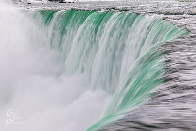 Niagara Blurs Green