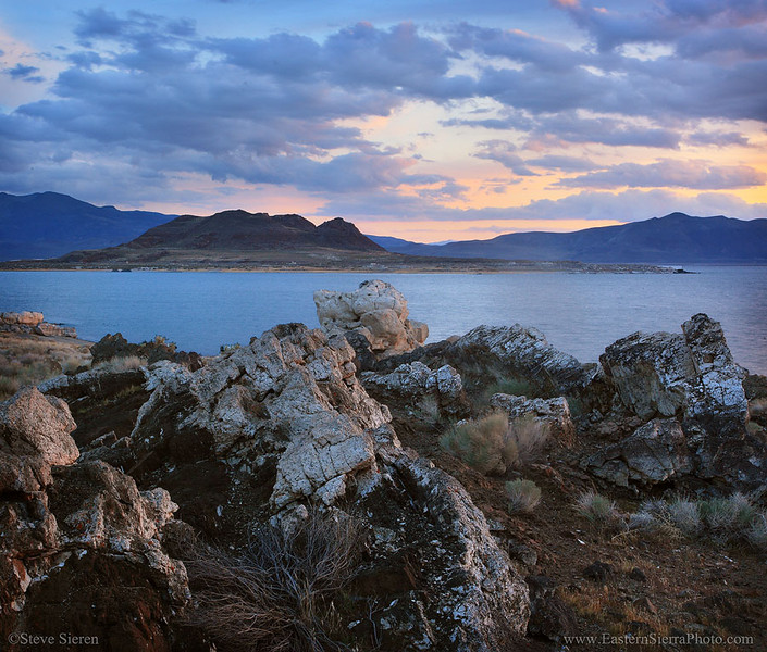 Pyramid Lake Nevada Anajo Island