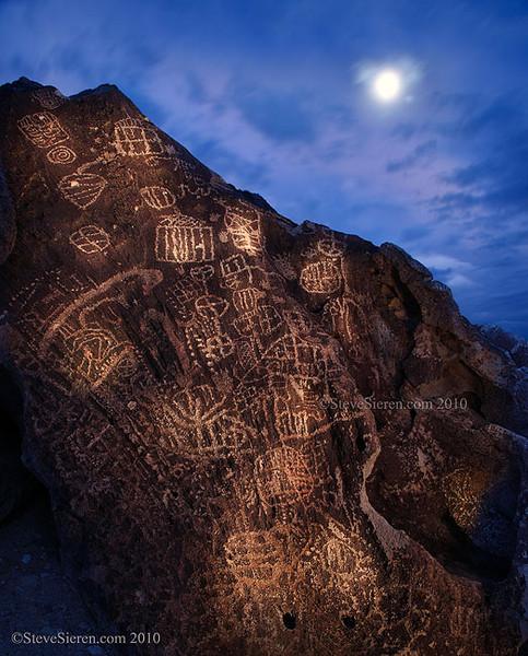 Twilight Petroglyphs Volcanic Tablelands, Eastern Sierra