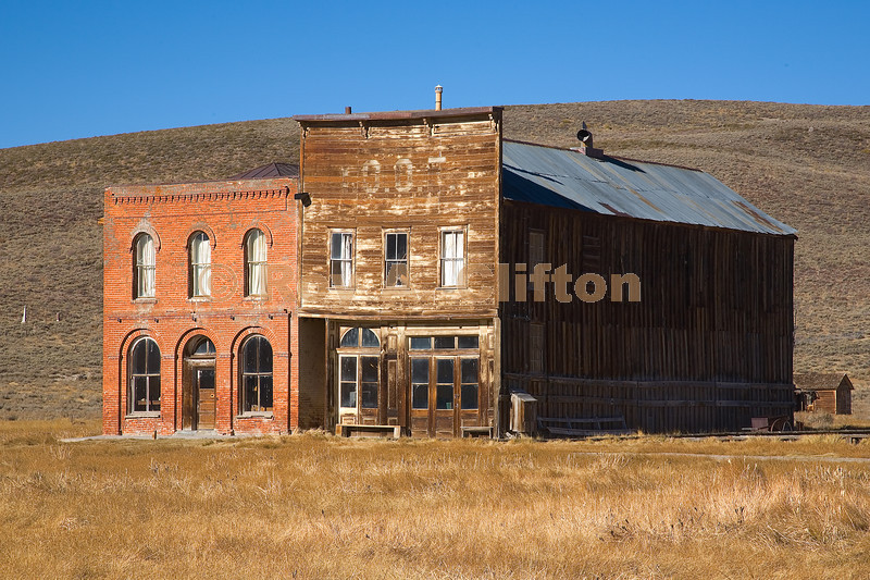 (IMG6474) Bodie has some very old (deserted) buildings