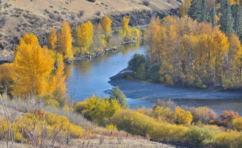 Fall leaves, Yakima River