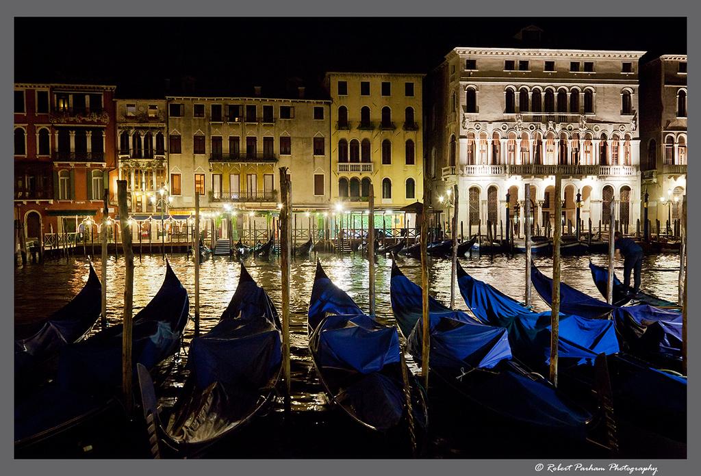 (VA-12)  Gondolas get a rest, Venice.