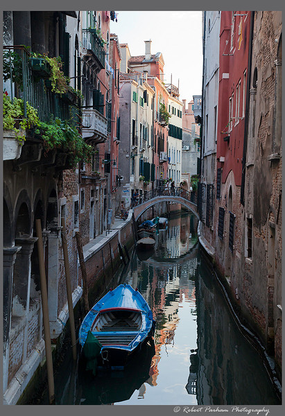 (VE-06)  Side Canal in Venice, Italy.