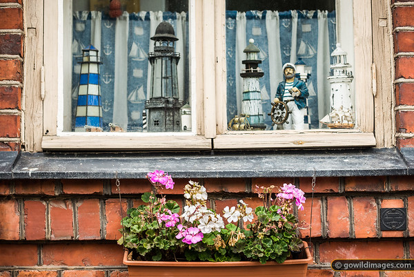Island Window Dressing
