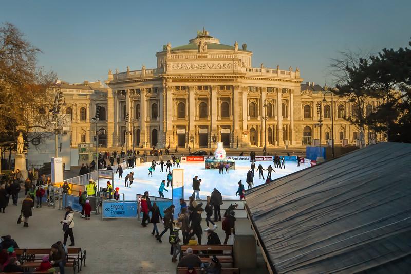 Ice skating in Vienna - Rathauspark