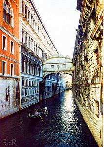 Venice 233 (33906773)