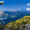 Tramonto dal monte Lovinzola.<br /> Ampia vista da ovest a sud su Alpi e Prealpi Carniche, Alpi Giulie, sulla pianura di Friuli e Veneto e sul Mare Adriatico.<br /> <br /> Didascalie di vette, paesi, città, ecc.<br /> <br /> Foto Claudio Costerni n. 110907-782584