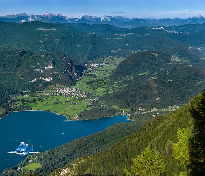 Lago di Bohinj / Bohinjsko jezero - Alpi Giulie orientali<br /> <br /> Foto Claudio Costerni n. 310806-912044