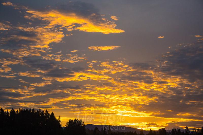 23  G Hood Sunrise