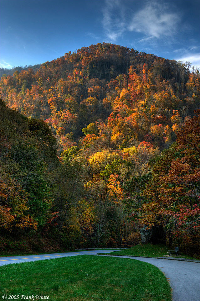 Fall colors from a pulloff on the Blue Ridge Parkway. (tonemapped single raw image)