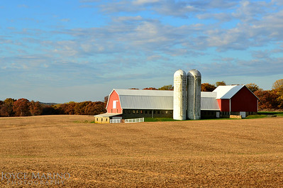Farmland and barn on a beautiful Fall day in Northern Baltimore County -- DSC_8702