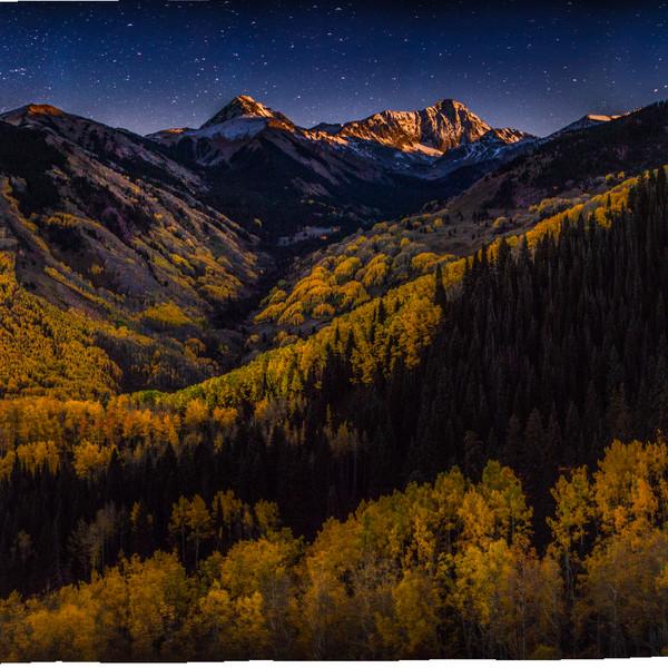 Capitol Peak moonset at the peak of autumn colors.