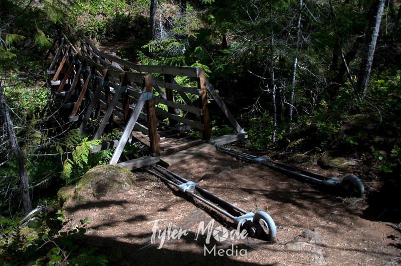 16  G Suspension Bridge