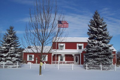 A truly MidWestern homestead after 8 inches of snow, Dec/2004