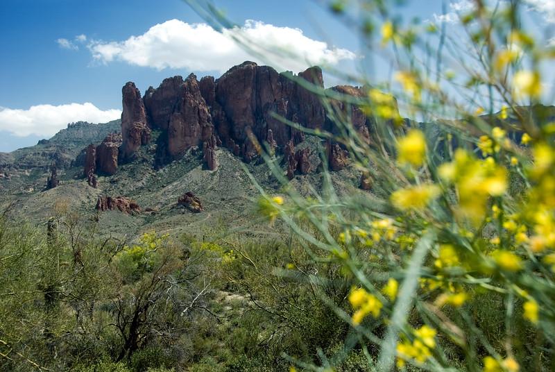 Copyright © 2007 Rick Kruer<br /> rickkruer.com<br /> <br /> Superstition Mountains east of Mesa, AZ