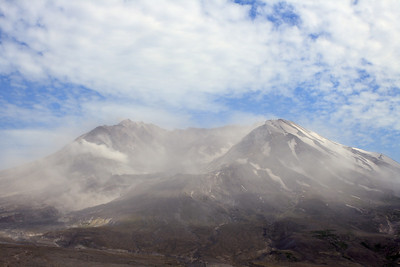 Mt St Helens on a very windy day