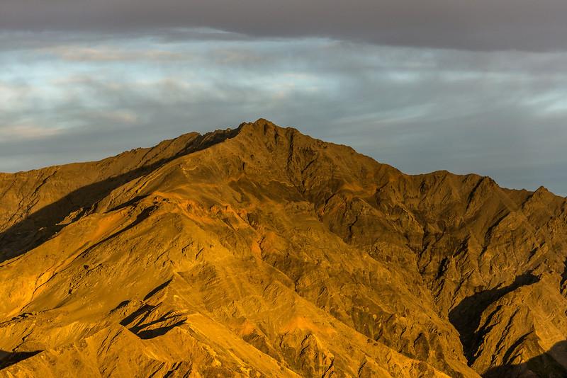 Shattered Peak (1984m) at sunrise, Seaward Kaikoura Range