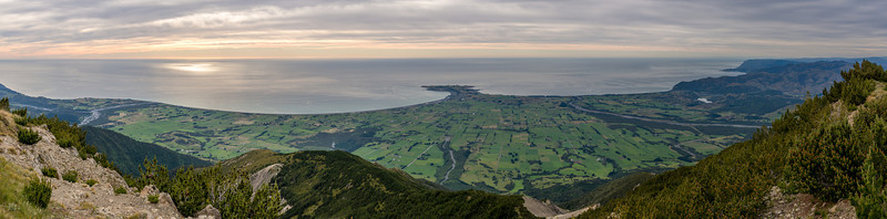Kaikoura Peninsula, and the plain between the Hapuku River (left) and the Kowhai River (right)