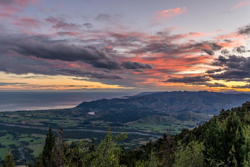 Sunset at Mt Fyffe Hut