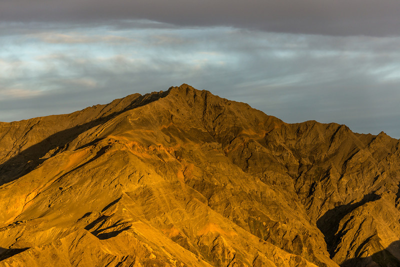 Shattered Peak (1984m) at sunrise, Seaward Kaikoura Range