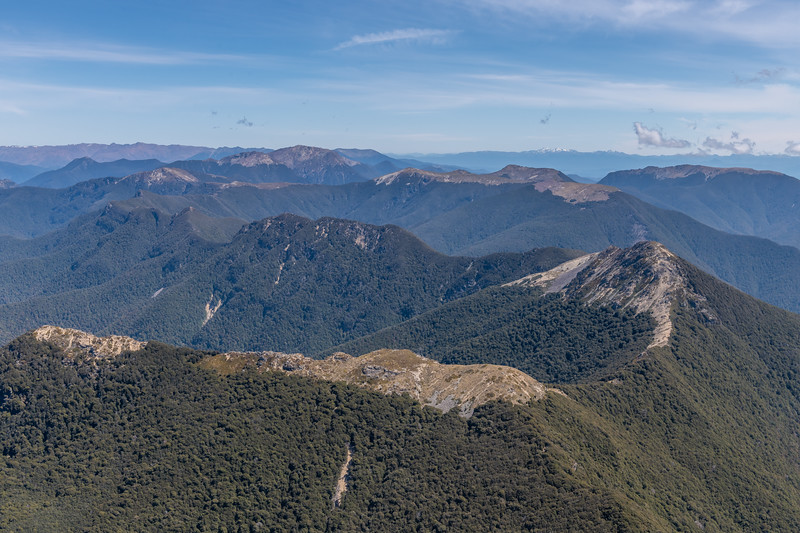 View west along the Richmond Range from the summit of Mount Richmond. Grass Knob is in the foreground on the far right.