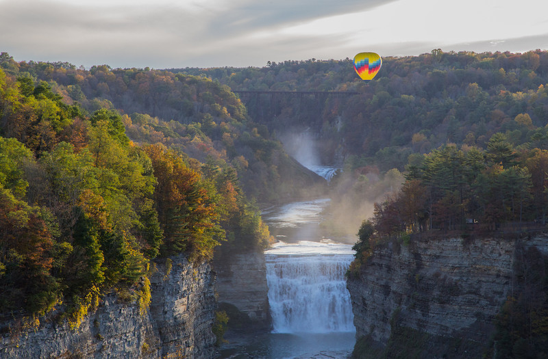 hot air balloon over middle falls, view from inspiration point, letchworth state park