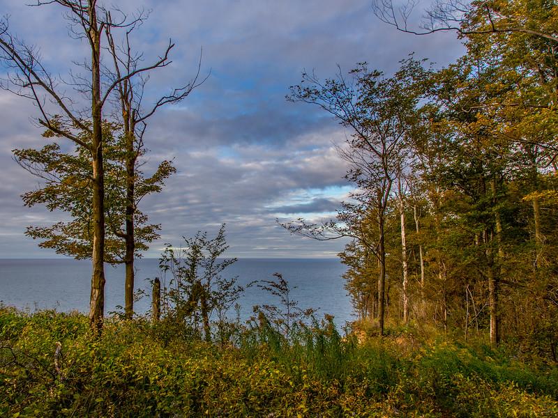 chimney bluffs state park, lake ontario