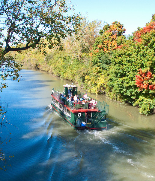 The Rose Lumis on the Erie canal.