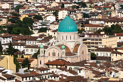 The synagogue of Florence was built with a Byzantine style giving it the look of a cathedral with eastern architectural touches.