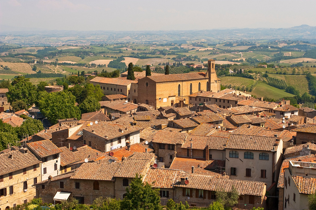 A town in central Tuscany near San Gimignano.