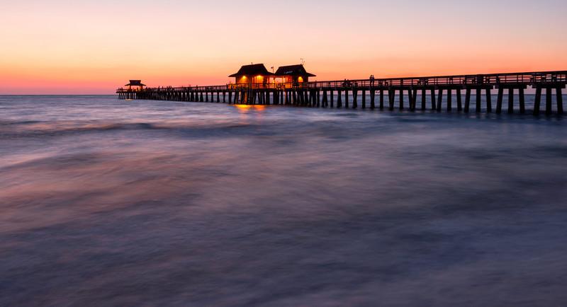 enjoying-sunset-on-the-naples-pier_7008049-Edit
