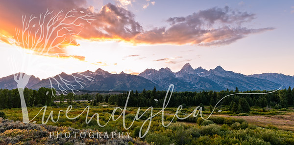 wlc Eve and Tetons3982019-Pano