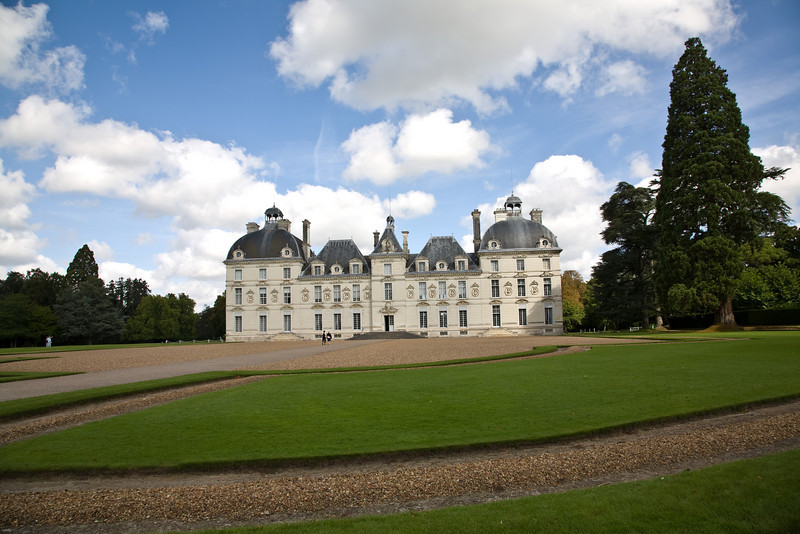 chateau in loire valley