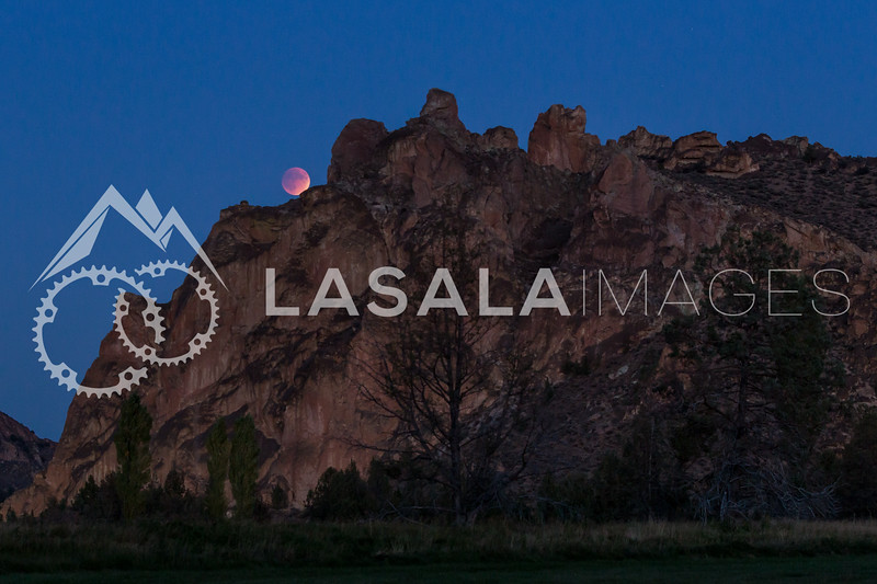 Lunar eclipse at Smith Rock, Oregon