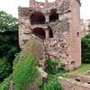 Castle + cannon = bad.