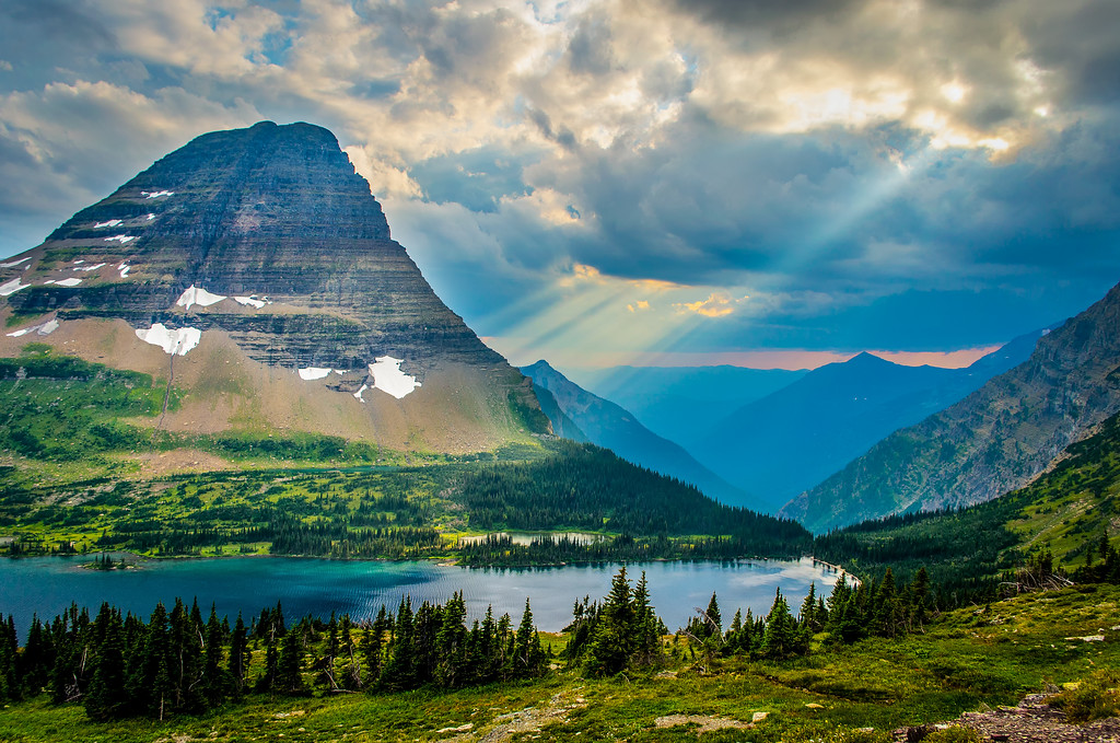 Sunrays at Hidden Lake in Glacier National Park
