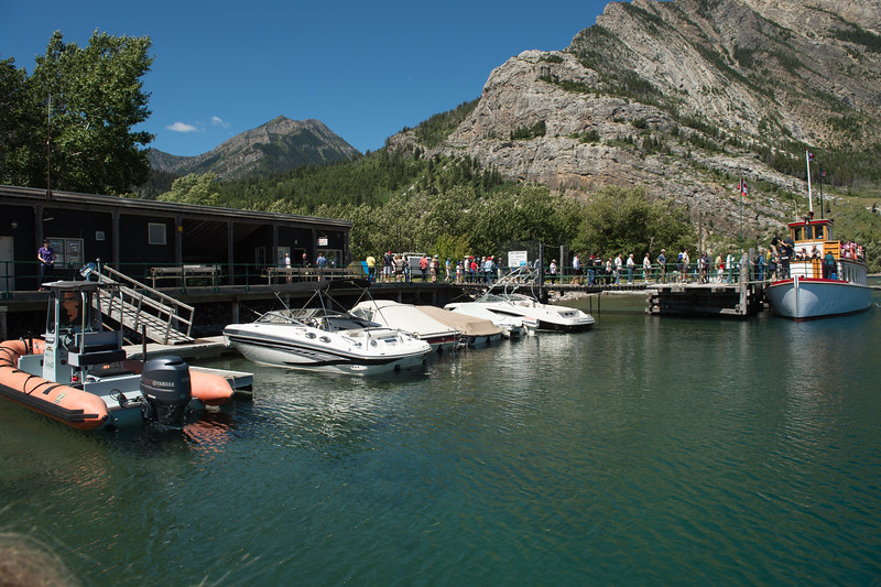 Waterton marina: going on the Goat Haunt tour